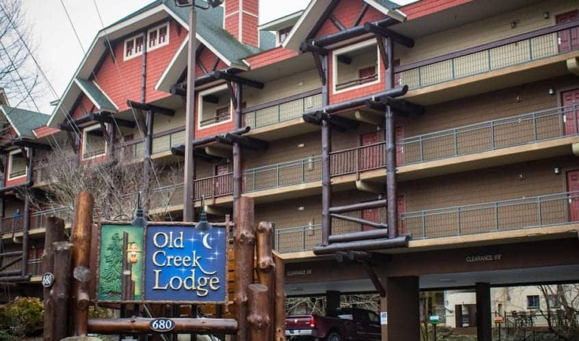 Old Creek Lodge Downtown Gatlinburg Hotel